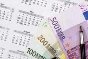 евро върху календар