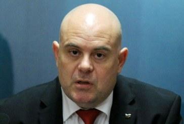 """Шефът на """"Винпром Карнобат"""" с обвинение и за източване на средства по ПРСР"""