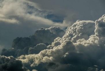 Облачно и с валежи от дъжд остава времето в цялата страна