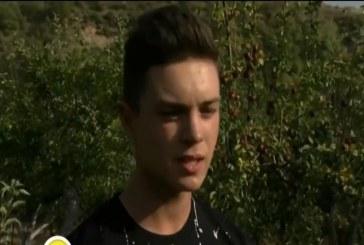 17-годишен земеделец стана хит в социалните мрежи (ВИДЕО)