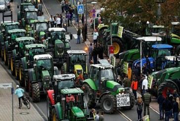 Хиляди фермери блокираха центъра на Берлин