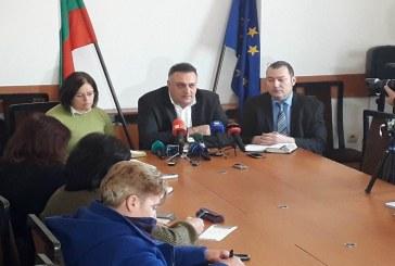 Областният управител на Варна: Загробваме животните до свинекомплекса в Брестак, за да няма разкарване на заразено месо (СНИМКИ)