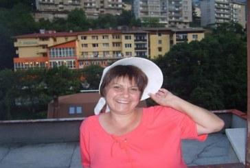 Красимира Жекова, пчелар: Топлата зима оказва негативно влияние върху пчелите ни (ИНТЕРВЮ/СНИМКИ)