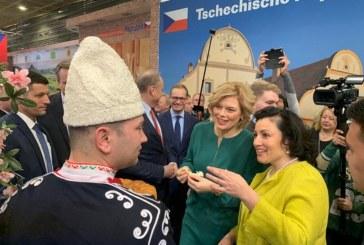 Министър Танева: Основен акцент в политиката за подкрепа остават малките и средни стопанства